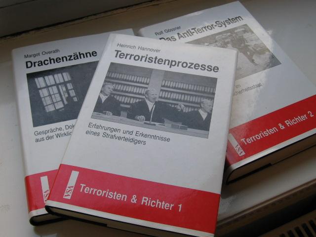 Bücher Terroristen und Richter